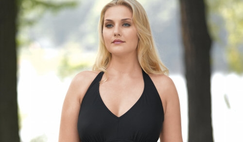 Amber Cather modelling Delta Burke swimwear, Spring 2006, from JC Penney. If she were fuller-figured, Amber would be one of the most revolutionary models in the industry.