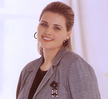 Shannon Marie modelling for Dillard's--still the loveliest of all plus-size models, whose appearance exhibited every single attribute of ideal beauty