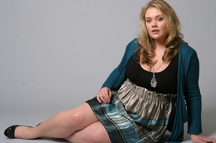 Kelsey modelling for LucieLu; click to enlarge